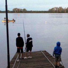 Buscan a un pescador que desapareció en el río Uruguay