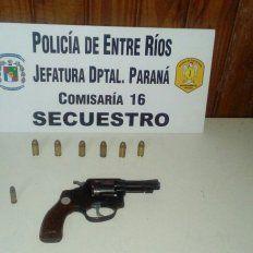 Tres personas fueron detenidas por tenencia ilegal de arma de fuego