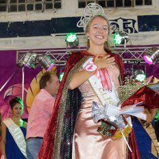Victoria tiene nueva reina del Carnaval