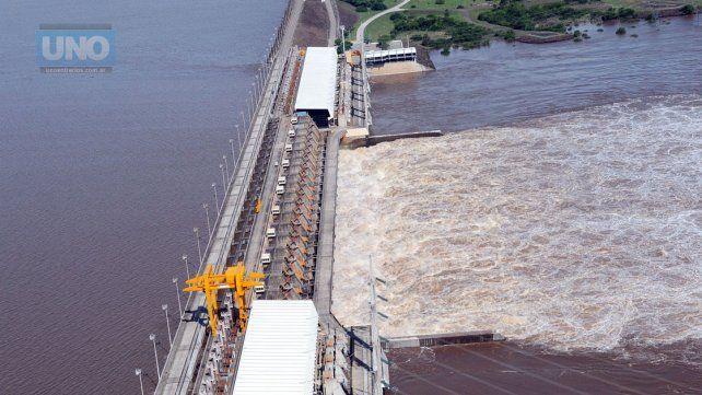 Ante a crecida del río Uruguay Salto Grande decidió superar la cota de expropiación del Lago