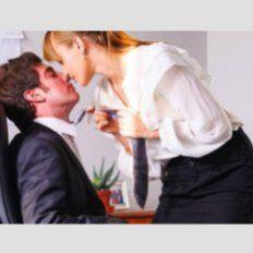 Concejal propone una hora de sexo durante el trabajo
