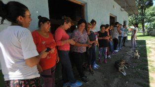 Tucumán: le pagan el sueldo a las mujeres, porque los hombres se lo gastan en asado y alcohol