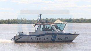 Buscan intensamente a un joven que se tiró a nadar y desapareció en el río Paraná