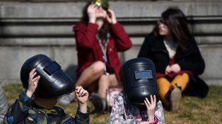 Cómo mirar un eclipse solar anular sin dañarse la vista