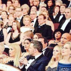 La foto de sorpresa tras el papelón en los Premios Oscar que se volvió viral
