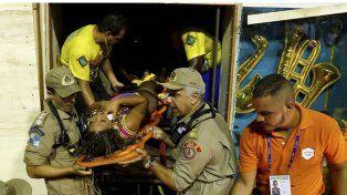 Carnaval de Río de Janeiro: 12 heridos al desmoronarse la estructura de una carroza