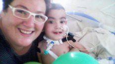 Valentín junto a su mamá, Sabina
