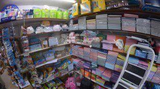 Planes en tres y seis cuotas impulsan la venta de guardapolvos y artículos escolares