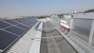 Bordet firmó un decreto para fomentar y utilizar fuentes de energías renovables