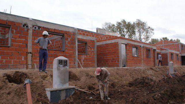 Sector dinámico. La construcción se prepara para mover un poco la economía estancada.
