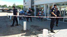 De película. Tras el violento procedimiento, los detenidos quedaron alojados en la YPF de Feliciano.