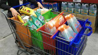 Antes de fin de año se prohibiría la entrega de bolsas plásticas en comercios