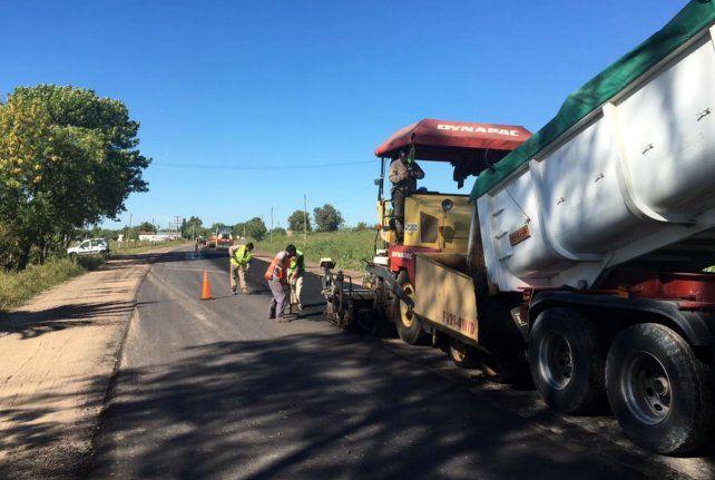 Comenzó el asfaltado en la Ruta 51 desde Larroque hacia Irazusta