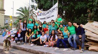 Este viernes canjearán papel por plantines en Paraná