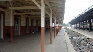 Ferroviarios paran por despidos en dos ramales