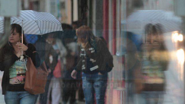 Llueve con intensidad en Paraná