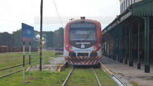Ramal. El único tren de pasajeros en funcionamiento es el que une Paraná y Colonia Avellaneda.