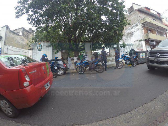 Sorprendió el operativo por averiguación de antecedentes en calle Urquiza