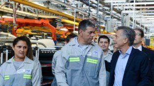 Macri visitó una fábrica y algunos trabajadores lo recibieron al grito de aguante Cristina
