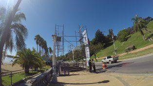 El escenario está sobre la costanera frente al balneario Municipal. Foto UNO.