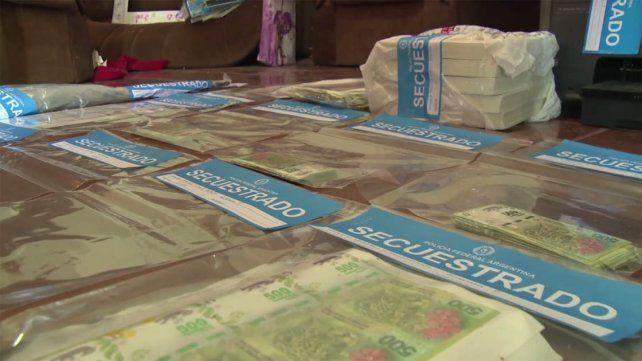 Detuvieron a una banda con medio millón de pesos falsos