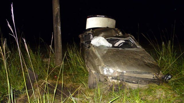 Accidente fatal en ruta 130: Chocó contra un poste de luz y salió despedido del auto