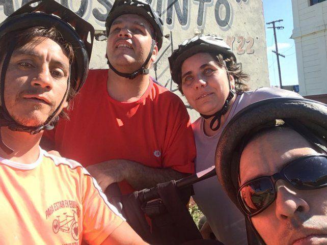 Selfie grupal en la salida a pedalear.