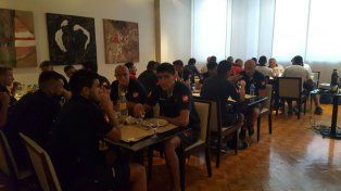 El plantel Rojinegro espera concentrado desde ayer en el hotel Nogaró.
