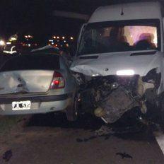 Inconsciencia. El conductor del Renault Clio se metió a contramano en la autovía 14.