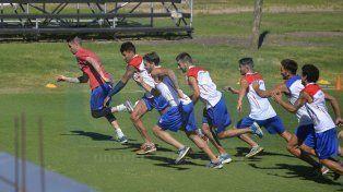 Atlético Paraná intentará reducir distancia con los equipos que están un escalón arriba de la zona roja.