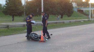 Motociclista con politrauma en el acceso al túnel al ser tocada por otro vehículo