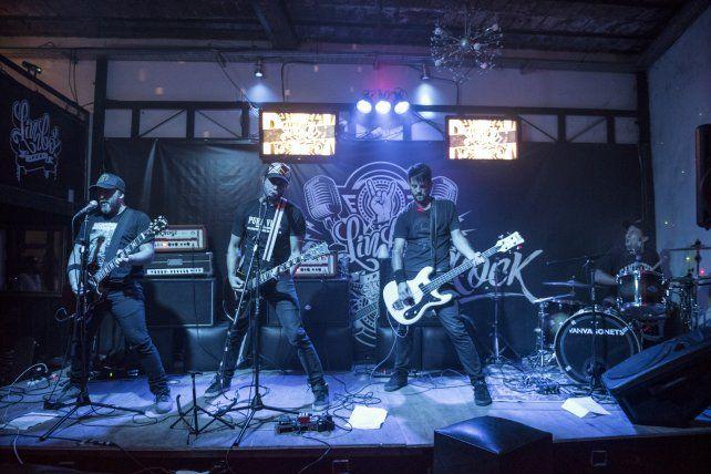 VanVagonets anoche en el escenario del pub en el Puerto Nuevo de Paraná. Foto Gentileza Diego Páramo.