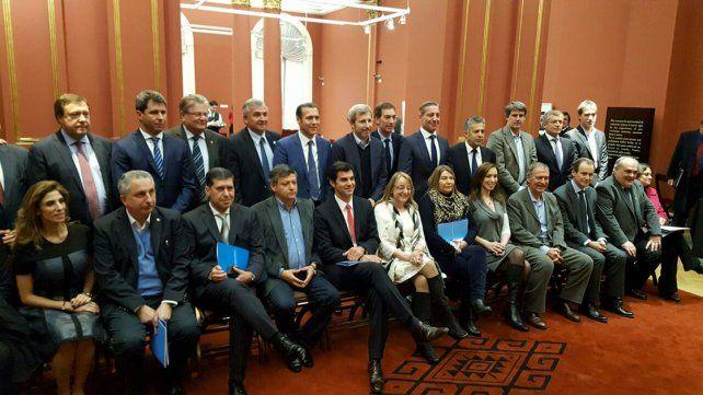 Gobernadores. Los gobernadores suscribieron el Acuerdo para el Fortalecimiento del Federalismo