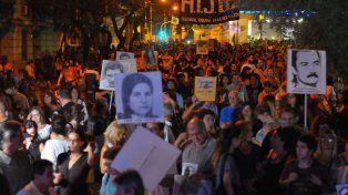Multitudinaria. En Paraná, la marcha tuvo una enorme convocatoria y se desarrolló sin incidentes.