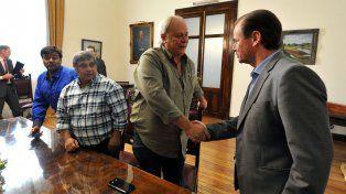 El Gobernador comprometió su apoyo para cuidar la fuente laboral.