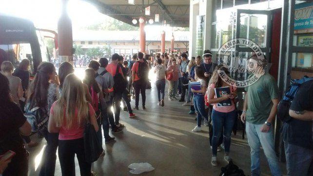Se reunió la comisión que regula el transporte interurbano Paraná-Santa Fe