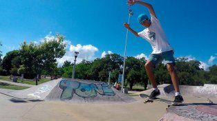 Mariano Rubio.Frontside Tailslide. Skatepark Paraná.