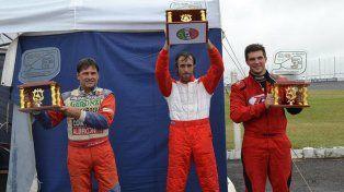 Podio del Turismo Pista 1600: Gabriel Massei (2º), Sergio Dezzutto (1º) y Brian Dodera (3º)