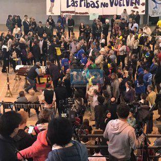 Una multitud despide los restos de Micaela García