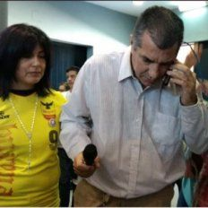 El Indio Solari llamó a los padres de Micaela y en pleno velatorio cantó Juguetes perdidos