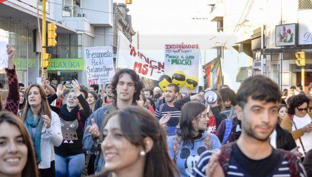 Docentes universitarios harán una protesta de 48 horas por el estancamiento de las paritarias