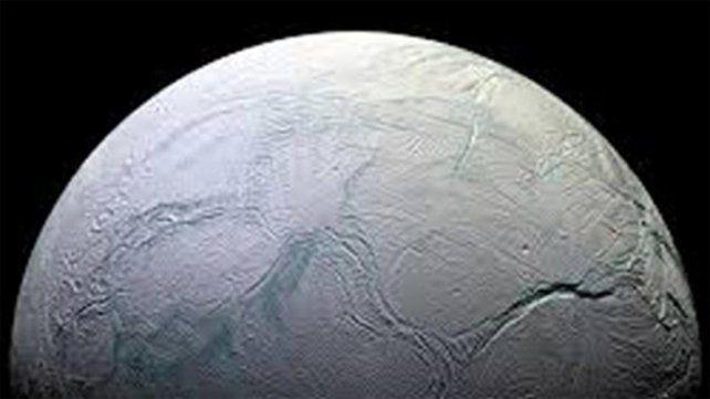 La NASA informó que podría haber vida en una luna de Saturno