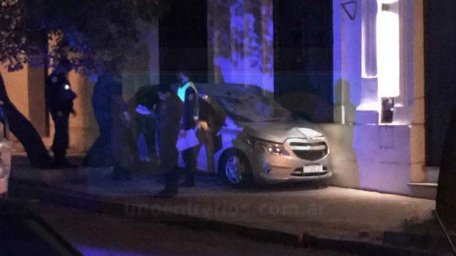 El vehículo quedó incrustado contra la pared del Museo Antonio Serrano