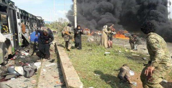 Ya son más de 100 los muertos por coche bomba contra micros con evacuados en Siria
