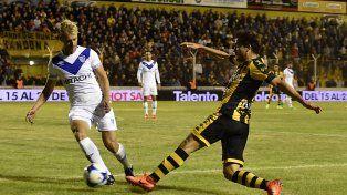 Vélez ganó un partido clave por el promedio en Bahía Blanca