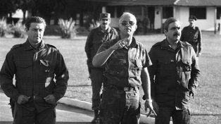 Sublevados. El líder carapintada Aldo Rico en Campo de Mayo.