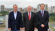En la terraza. Los tres gobernadores en una de las fotos oficiales del encuentro de ayer.