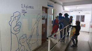 Vacunatorio del San Roque. Por día inmunizan a unos 100 chicos