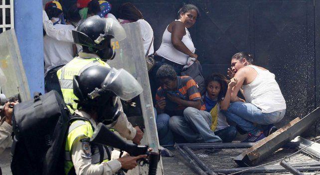 Tras las muertes en Venezuela, Macri exigió que se llame a elecciones