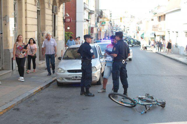 Accidente con un ciclista en Paraná. Foto UNO. Archivo. Ilustrativa.
